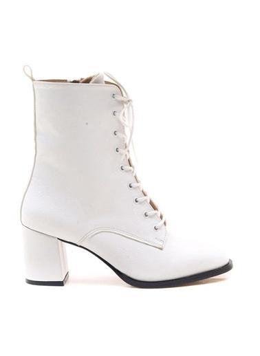 Modabuymus Modabuymus Küt Burun Topuklu  Postal Kadın Bot - Berra Beyaz